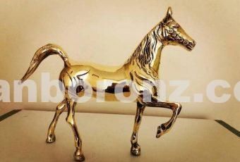 مجسمه اسب ایستاده برنزی